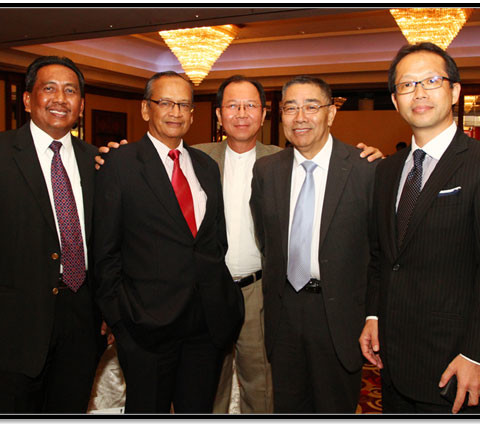 From Left to Right.  Mejar Ir. Kamarulzaman Musa (Retired) (KLIA College), Tan Sri Ambrin Buang (Ketua Audit Negara), Mr Frank Fan (Taisei Malaysia), Mr Mizutani (Taisei Japan) and Mr Makiuchi (Taisei Japan).